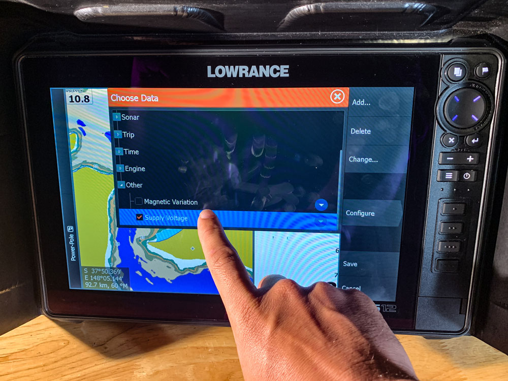 Lowrance Voltage Supply select Supply Voltage